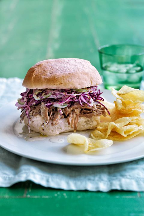 איטי- cooker zesty pork and slaw sandwiches