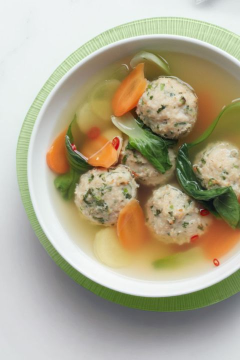 अदरक Meatball Soup with Bok Choy 30-Minute Meal