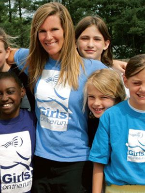 maza Barker, surrounded by some very self-confident girls on the run.