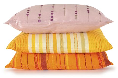 गुलाबी, yellow and orange bed pillows