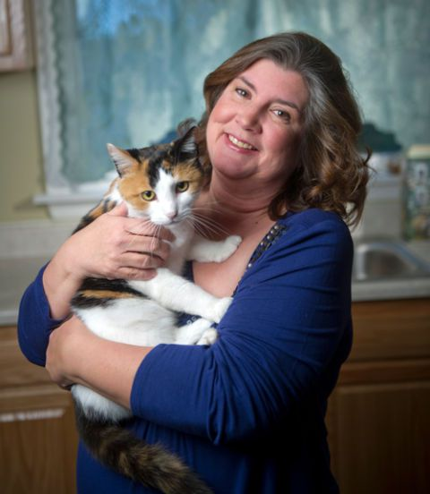 teresa bernola with cat