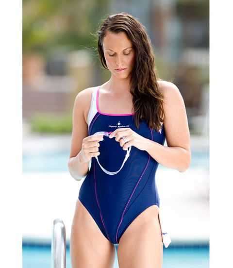 ओलिंपिक swimmer amanda beard in a bathing suit