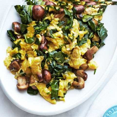 मशरूम spinach and swiss scramble
