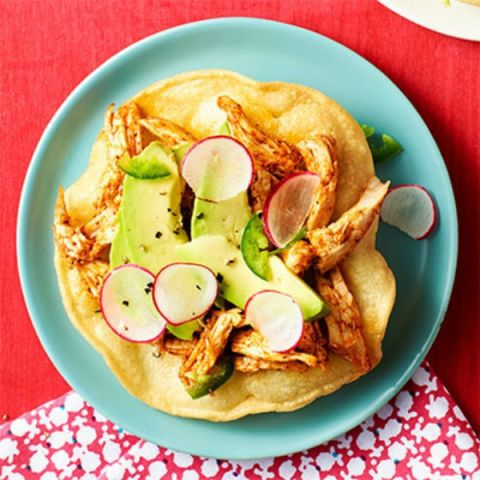 मिर्च chicken tostadas with radishes, avocado and jalapeno