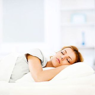 ΕΝΑ good night's rest can be the ticket to a healthy ticker. But what if you're having trouble falling asleep at night? Here, three common sleep stealers and solutions that'll have you snoozing soundly. And that'll reduce your heart disease risk.