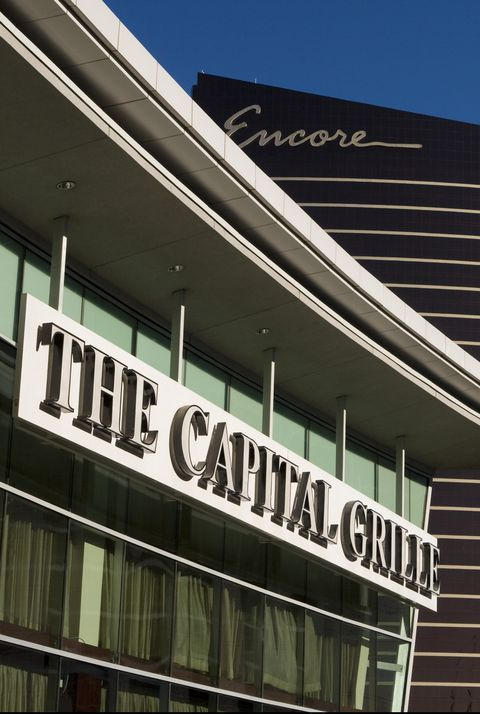 ο Capital Grille restaurant open on Thanksgiving