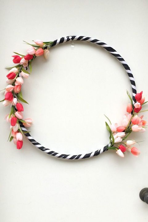 החולה hoop wreath dollar store craft