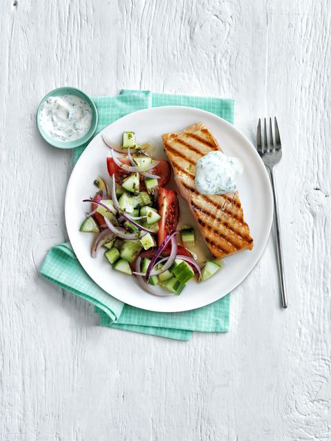 s roštilja Salmon Greek Salad 30-Minute Meal