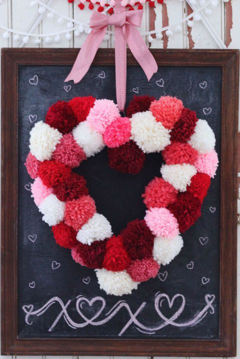 pom pom heart wreath