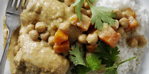 नारियल curry chicken and chickpeas
